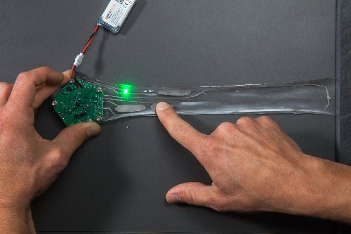 conducting_ink_creates_stretchable_electronics_demonstrated
