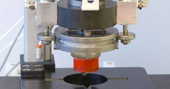 The Robo-met.QC is a UES product designed to automated material coatings analysis